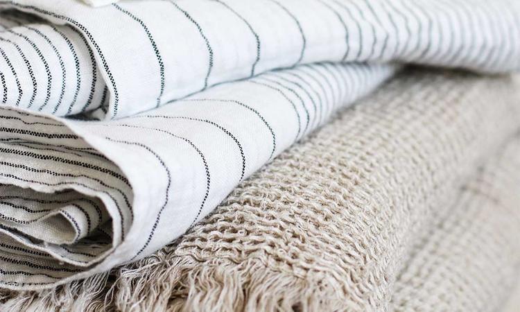 Tell Me More Calma Blanket och Angelo Kitchen Towel