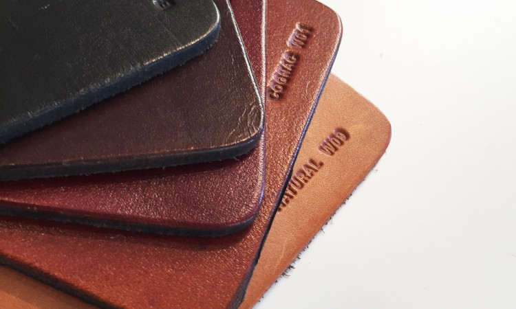 Klä din Trifolium Fladdermusfåtölj i någon av dessa kvalitativa läder