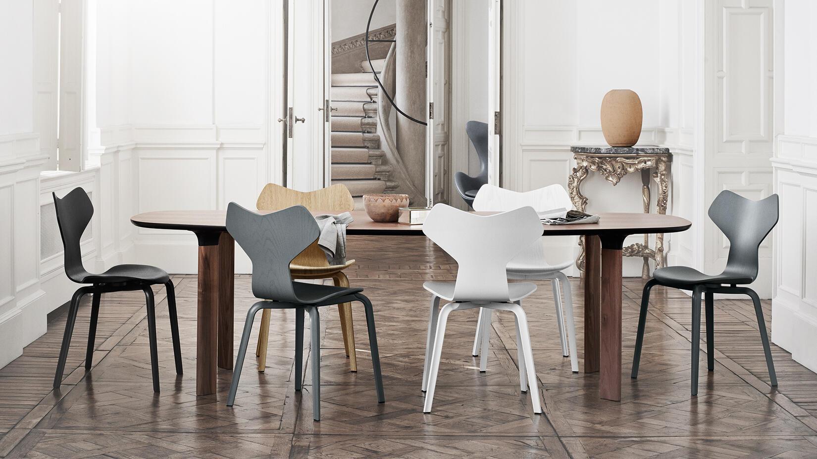 grand prix av arne jacobsen olsson gerthel. Black Bedroom Furniture Sets. Home Design Ideas