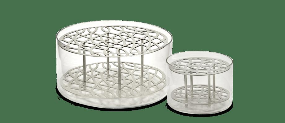 Klongs vas Äng i silver finns att köpa i två storlekar på Olsson & Gerthel