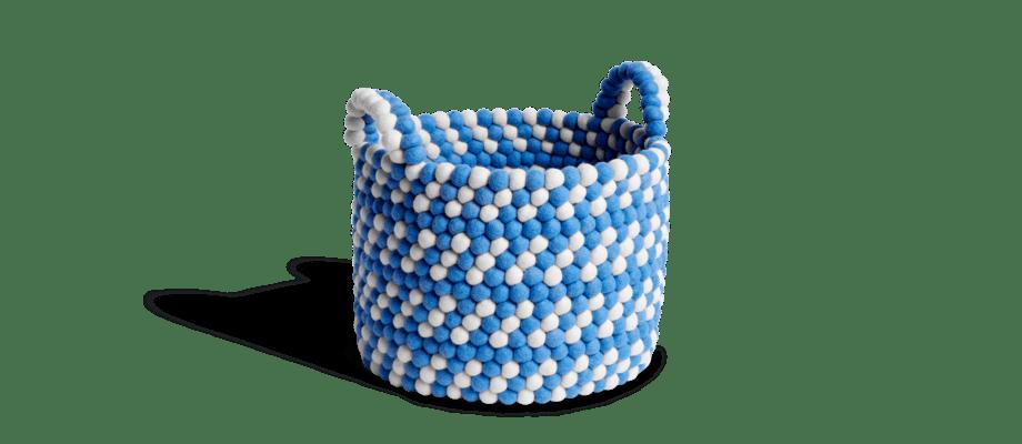 HAY Bead Basket Blue Dash Korg av ull i ljusblått och vitt