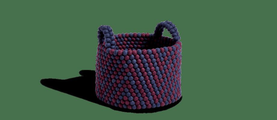 HAY Bead Basket Burgundy Chevron Korg av ull med mönster i burgundy och blått