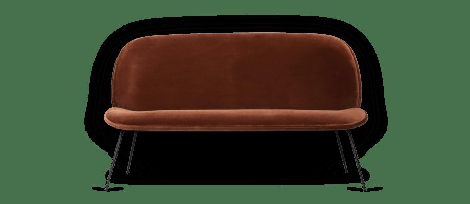Gubi Beetle Soffa i ett sammetstyg med roströd färg