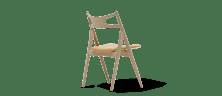 Carl Hansen CH29 Sawbuck Chair Stol i massiv ek med lädersits av Hans J Wegner