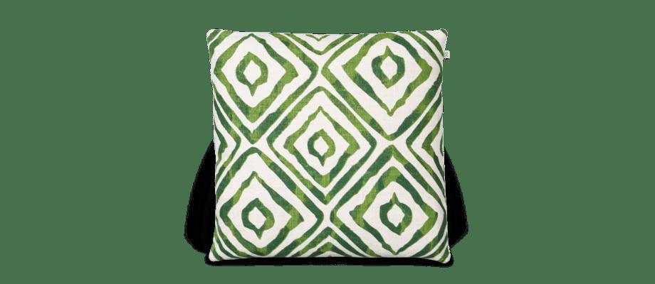 Amba är ett kuddfodral i grön färg från Chhatwal & Jonsson