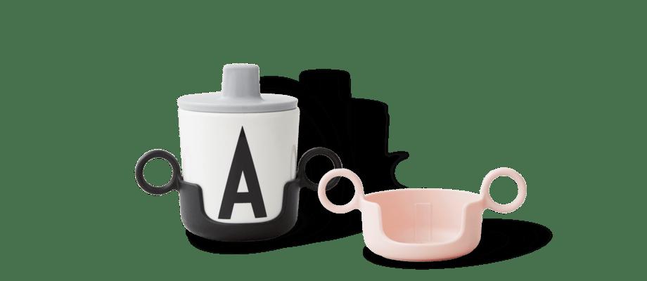 Design Letters Holder for Melamin Cup Handtag för AJ Bokstavsmuggi svart och rosa