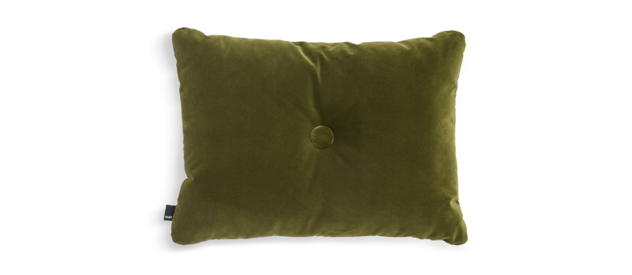 HAY Dot Cushion Soft Moss Kudde i ett mossgrönt velourtyg med skumkärna