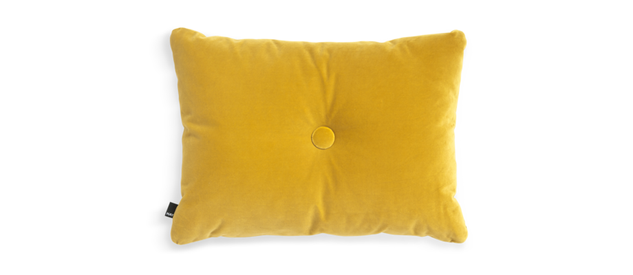 HAY Dot Cushion Soft Yellow Kudde i gul velour med knapp