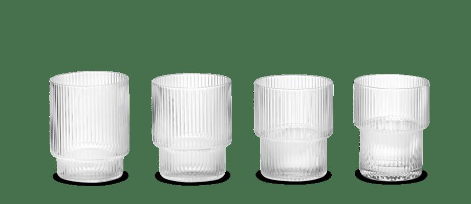 Ripple från ferm LIVING kommer i ett 4-pack med olika formade, stapelbara glas