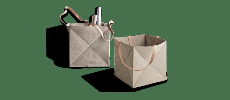 Fritz Hansen Objects Origami Korg i linne med läderhandtag