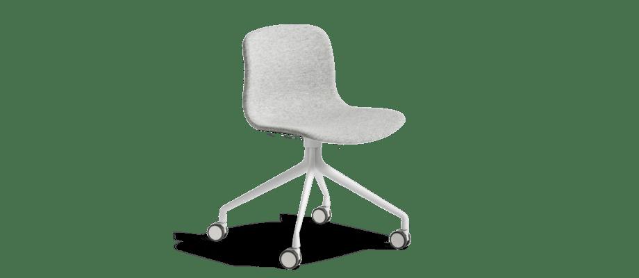 Kontorsstolen About a Chair AAC15 från HAY finns i både tyg och läder med ben i aluminium