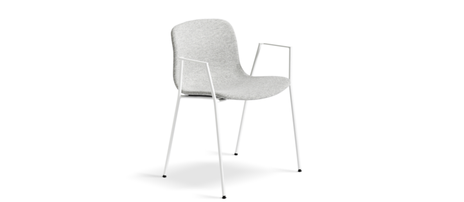 AAC19 är en karmstol i tyg eller läder från HAY och stolsserien About a Chair