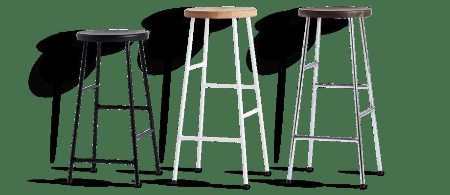 HAY Cornet Barstol i svartbetsad, oljad och rökt ek med ben i svart, vit och krom