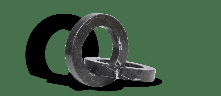 Kristina Dam Studio Marble Circles Skulptur i svart marmor