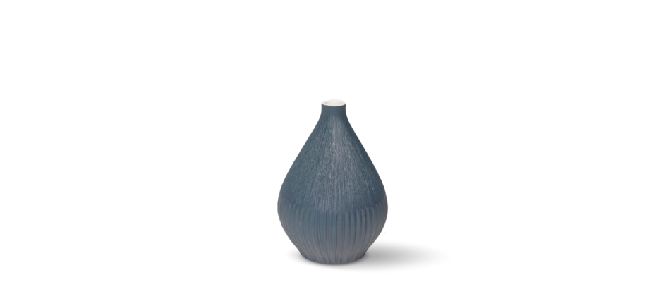 Köp vasen Kobe från Lindform i blå färg online på Olsson & Gerthel