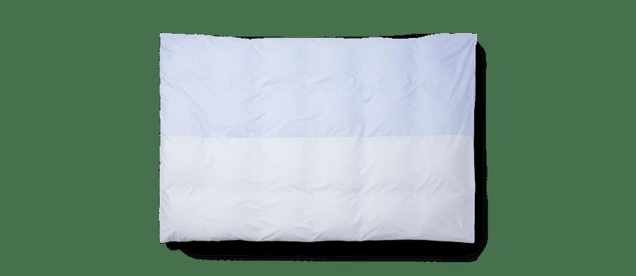 Magniberg Wall Street Stripe Half & Half Påslakan i blå färg med olika mönster