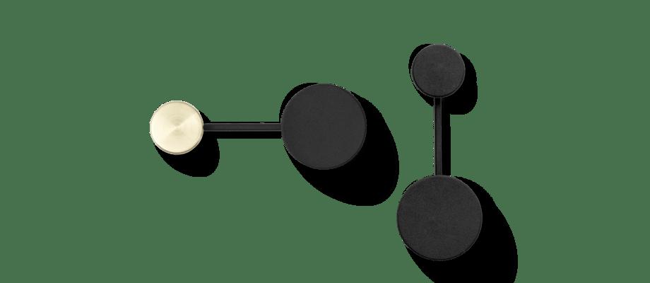 Menu Afteroom Coat Hanger Small Klädkrok i svart och mässing