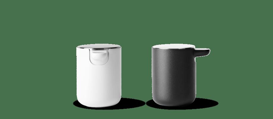 Menu Norm Bath Soap Pump Tvålpump i vit och svart färg