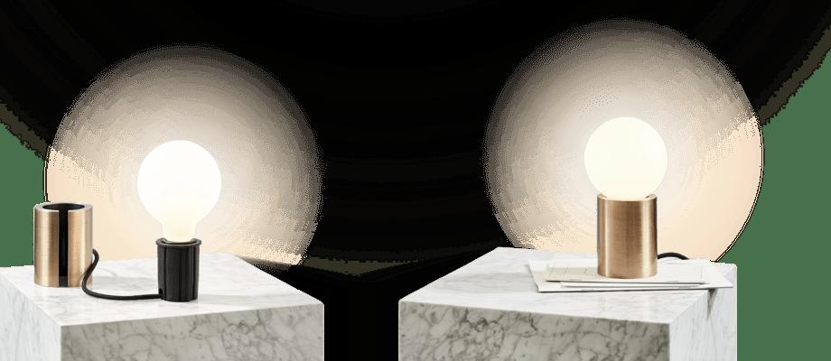 Menu Socket Occasional Lamp Bordslampa i mässing med glödlampa i frostat opalglas