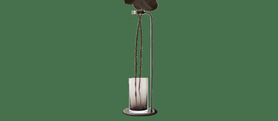 Menu Stem Vase Smoke Vas i rökfärgat glas och bronserad mässing