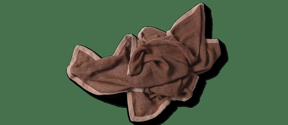 Muuto Ripple Throw Brown Pläd i en jordig brun färg