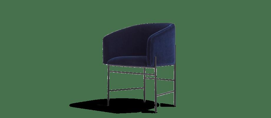 New Works Covent Chair Stol klädd i mörkblå sammet