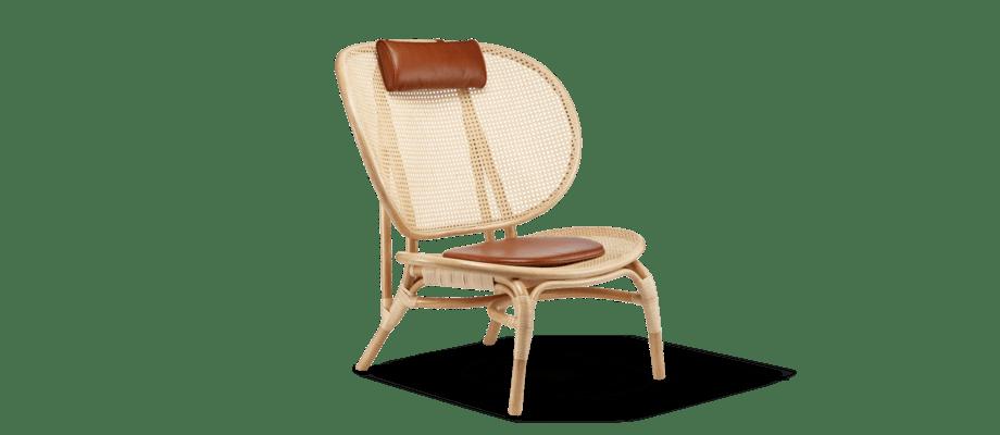 Norr11 Nomad Chair Rottingfåtölj med sits och nackkudde i cognacfärgat läder