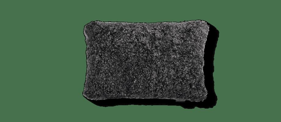 Skinnwille Curly Pillow Lammskinnskudde 29 Dark Grey Mörkgrå