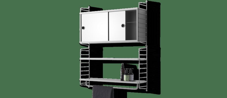 String Furniture Badrumsskåp med spegeldörrar, stång och hyllplan