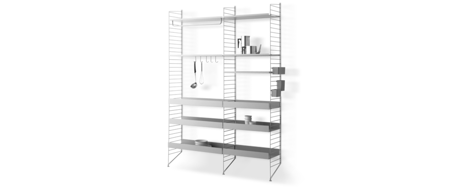 String Furniture Kökshylla med metallhyllplan och tillbehör i grå färg
