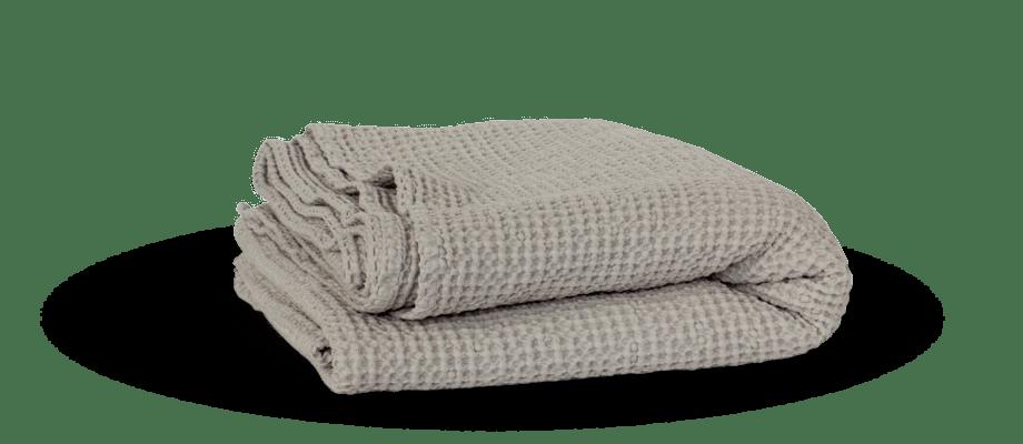 Miro Blanket är en pläd i bomull från Tell Me More som finns i flera färger och storlekar