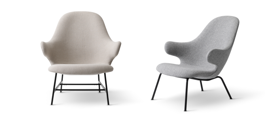 Fåtöljerna Catch Lounge Chair JH13 och JH14 från &Tradition i beiget och grått tyg